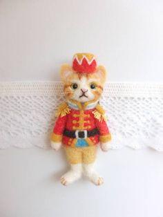 羊毛フェルト☆くるみわり人形猫ブローチ ハンドメイド 猫_画像1