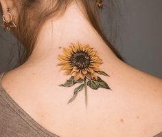 Birth Flowers & Over 50 Best Birthday Flower Tattoo Ideas - Tattoo Stylist Phoenix Feather Tattoos, Tattoo Dragon And Phoenix, Small Phoenix Tattoos, Daisy Tattoo Designs, Crow Tattoo Design, Tattoo Designs And Meanings, Bunny Tattoos, Mom Tattoos, Body Art Tattoos