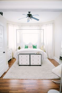 5 Ways to Make Your Tiny Bedroom Special (& Functional) — Why It Works