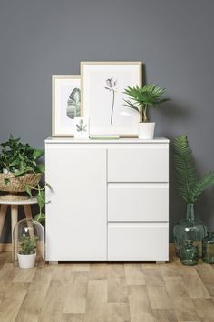 Chest of drawers Bedroom Colors, Bedroom Decor, White Sideboard, Country Modern Home, Ikea Table, Chest Of Drawers, Filing Cabinet, Dresser, The Office