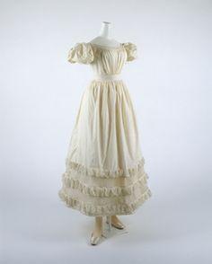 Met 1819 dress