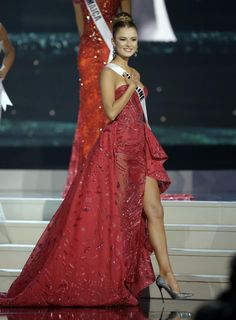 Miss Ukraine Diana Harkusha poses during the Miss Universe pageant in Miami http://www.hdwallpapersinn.com/miss-universe-2015-top-15-candidates.html
