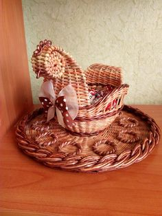 Sun Paper, Diy Ostern, Newspaper Crafts, Easter Crafts, Tatting, Projects To Try, Weaving, Handmade, Inspiration