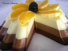 Tort de ciocolata Cheesecake, Pudding, Desserts, Recipes, Food, Mai, Cooking Recipes, Cooking, Tailgate Desserts