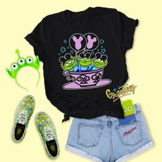 Disney Bound Outfits Casual, Cute Disney Outfits, Disney World Outfits, Disney Themed Outfits, Disneyland Outfits, Disney World Shirts, Cute Outfits, Skater Outfits, Emo Outfits