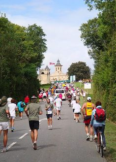 Marathon bucket list: Marathon du Médoc. 21 food stations and 22 wine tastings along the course!