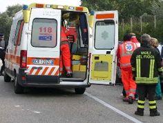 Frontale tra due auto a Cannero: due feriti lievi, statale chiusa due ore