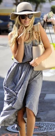 Friday Fashionista :: { Comfy Casual } The Writer's Ink  http://lovethewritersink.blogspot.com.au/2014/02/friday-fashionista-comfy-casual.html #fedora #grey #dress