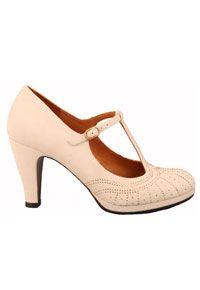 Zapato de salón tacón medio realizado en ante color crema 6581a64c067b
