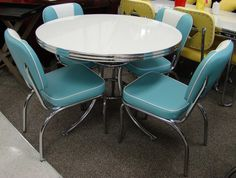 Retro Kitchen Table and Chairs You'll Love in 2020 - Visual Hunt Retro Table And Chairs, Retro Kitchen Tables, Retro Dining Rooms, Retro Dining Table, Dining Table Chairs, Kitchen Chairs, Vintage Kitchen, Kitchen Decor, 1950s Kitchen