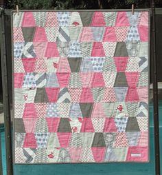tumbler quilt | Sew Fantastic: Tumbler Baby Quilt