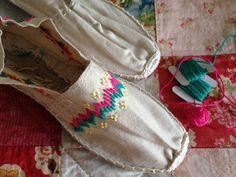 alpargatas bordadas a mano / embroidered slippers