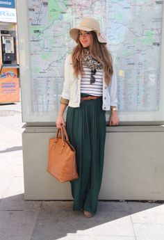 While the style first popped up in spring, they are just as relevant to your fall wardrobe too. Here, I present you 34 fashionable casual combinations with long