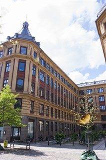 Skydebanegade 28, 3. tv., 1709 København V - Hyggelig 2-værelses andel med højt til loftet, stuk og solrig altan. #solgt #selvsalg