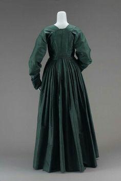 Dress, back.Late 1790.