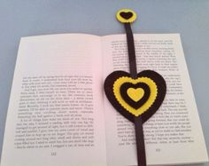 Pack of one bookmark and one keychain keyring. Yellow and black heart shape. Handmade with ribbon and felt. Reading and book accessories