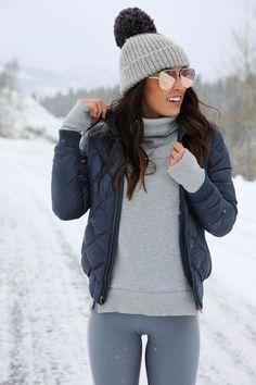 41 Ideas Womens Fashion Winter Cold Weather Leggings Source by nitishakapur Winter outfits cold weather Winter Outfits Casual Cold, Winter Mode Outfits, Winter Dress Outfits, Winter Fashion Outfits, Autumn Winter Fashion, Dress Winter, Cute Casual Outfits, Winter Snow Outfits, Winter Outfits For Teen Girls Cold
