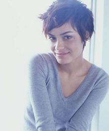 Shannyn Sossamon. I'll always hold a special place in my heart for this hair.