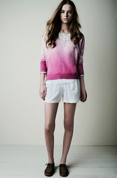 18525 Sudadera Sweatshirt / 18152 Camiseta T-shirt / 18817 Shorts