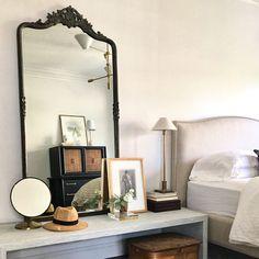 Parisian Chic Decor, Parisian Bedroom Decor, Antique Bedroom Decor, Vintage Inspired Bedroom, 1920s Bedroom, Bedroom Rustic, Antique Decor, Parisian Style, Grey Bedroom Design