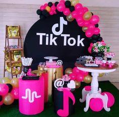 12th Birthday Cake, Cute Birthday Cakes, Cute Birthday Gift, Beautiful Birthday Cakes, Barbie Birthday, Girls Birthday Party Games, Girl Birthday Decorations, Donut Birthday Parties, Fete Emma