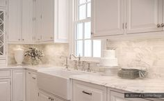 subway+glass+tile+backsplash+design   calacatta-gold-subway-backsplash-tile-beige-kitchen-countertop