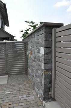 Design SichtschutzZaun blickdicht aus Metall Holz
