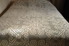 Ravelry: Greenbrier Bedspread pattern by The Spool Cotton Company Til hytta, kanskje?? :)