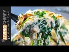 Low-Carb Cauliflower Creamed Spinach -> a delicious low-carb side this that is pretty much all vegetable, and the kids will never know! Ketogenic Recipes, Low Carb Recipes, Cooking Recipes, Healthy Recipes, Keto Side Dishes, Vegetable Dishes, Cauliflower Dishes, Cauliflower Pizza, Creamed Spinach
