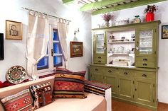 Colorful Rustic House With Traditional Romanian Motifs Home Design Decor, House Design, Interior Design, Home Decor, Traditional Decor, Traditional House, Rustic Fall Decor, Classic Interior, Design Case