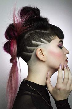 Those who still think that the undercut fade is meant only for men should read this article till the end! Beauty standards don't stand still, so here come the best haircut for women people could ever see. #undercutfade #undercutwomen #haircut
