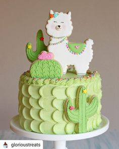 Glory on Move over unicorns, its llamas turn Llama and cactus cake for my babys birthday. Chocolate cake and cream cheese Pretty Cakes, Cute Cakes, Beautiful Cakes, Amazing Cakes, Yummy Cakes, Cake Cookies, Cupcake Cakes, Kid Cakes, Fancy Cookies