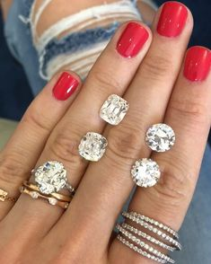 The difference between Old Mine diamonds (left) and Old Euro diamonds (right) Wholesale Engagement Rings, Top Engagement Rings, Celebrity Engagement Rings, Round Diamond Engagement Rings, Diamond Wedding Bands, Wedding Rings, Colored Diamond Rings, Diamond Ice, Beautiful Rings