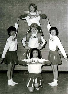 Get to know more about the history of Cheerleading from 1880s till today http://bit.ly/CheerleadingHistory  #Vintage #Cheer #Cheerleading