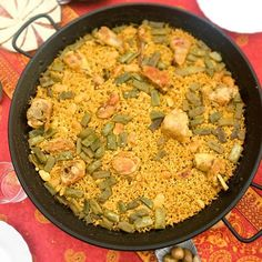 Made a paella on Sunday for friends. Couldn't get more typical Valencian if I tried! Rice Dishes, Paella, Sunday, Friends, Ethnic Recipes, Food, Amigos, Domingo, Essen