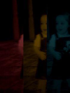 Ψάχνω αναμνήσεις στις παιδικές μου φωτογραφίσεις  που έτυχε κι αποτυπώθηκαν από το φακό  τότε που πλήρωνα τα λάθη μόνο με παρατηρήσεις κι είχα μόνη τιμωρία απ' την αίθουσα να βγω<3