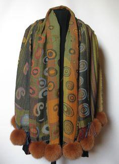 Uld Sjaler m. pels pom pom » Woolen Shawl with fur pom poms made of couloured fox. Handmade Jane Eberlein, Copenhagen, Demark. www.samarkand.dk