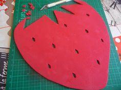 Cuillère, aiguille et scie sauteuse: Tapis de souris fraise