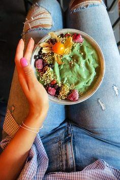 "Blue bowl at ""Beetnut official"" in Zurich. Follow my blog or #zurichfoodadvisor on Instagram for more food advices in Zurich. #zurich #zürich #zurichfood #foodie  #foodblogger #zurichblogger #myzurich #foodporn #switzerland #bowl #bluebowl# Food Porn, Blue Bowl, Foodblogger, Acai Bowl, Dinner, Breakfast, Instagram, Brunch Ideas, Essen"