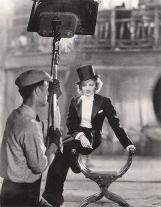 Marlene Dietrich. 1932.