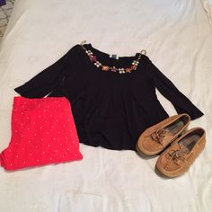 Old navy top Medium- true to size ✨LOWEST PRICE. Will ship tomorrow! Old Navy Tops
