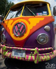 Kombis by Daniel Alho / painted VW Bus