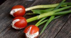 Paradicsom tulipánok recept: A húsvéti asztal dísze lehet ez a szuper ehető tulipán, melyhez mindössze csak 3 hozzávaló szükséges. Gyönyörű húsvéti, vagy nőnapi ötlet, recept!