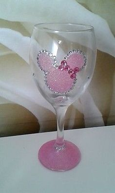 Sparkling Pink Minnie Mouse Glitter Wine Glass