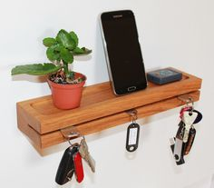 Schlüsselbrett,Schlüsselleiste aus Eichenholz von Einzigartige Holzprodukte auf DaWanda.com