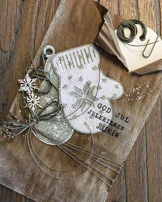 Jeg deler et julekort hos @papirdesign i dag. Ta gjerne turen innom for å se alt det fine DTjentene lager . . . . . . #monakort… Card Tags, Cards, Alex And Ani Charms, Christmas Holidays, Deco, Gifts, Scrapbooking, Inspiration, Instagram