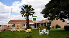 Vila Formosa AL Guesthouse Monte Gordo Located 800 metres away from the Beach of Monte Gordo, Guesthouse Vila Formosa offers simply decorated rooms and free Wi-Fi. It features a large garden and free private parking.