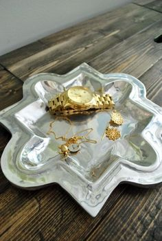 love this tray and the contrast between the gold and silver