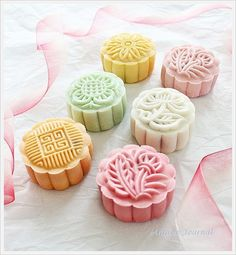 Snowskin Mooncakes 冰皮月饼 (I don't know what they are, but they are adorable and sound delicious.)