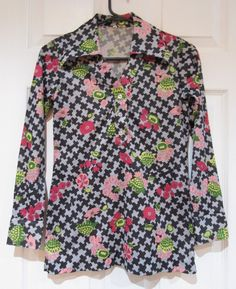 Cool 1970s Turtle and Flowers Disco Shirt (Ladies) by FidosTreasureChest on Etsy